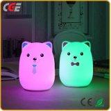 Indicatore luminoso di colore dell'orso della lampada di lato del letto dell'indicatore luminoso di notte del silicone dei regali di festa