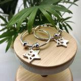 Panyuの工場空想の宝石類の女性のための白い金張りのたがのイヤリング