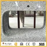 Partie supérieure du comptoir blanches normales faites sur commande de cuisine de granit du gris G655 (avec le bassin)