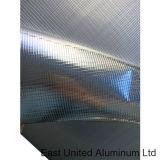 Отсутствие короткого замыкания на стене алюминиевую фольгу с прозрачным куполом