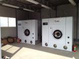 Máquinas da lavanderia dos restaurantes