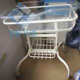 バスケットが付いている贅沢なプラスチック赤ん坊のまぐさ桶のベビーベッド/病院の赤ん坊のBassinet