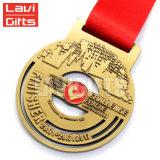 卸し売り新しいデザインカスタム3D旧式な真鍮のめっきされたSouvenirmetalスポーツ賞メダル円形浮彫り