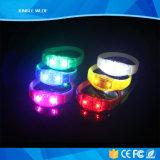 Концерт за продукт Браслет со светодиодной подсветкой пульта дистанционного управления
