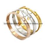 Acciaio inossidabile Bracetet romano dell'oro della Rosa con il pendente Chain del cuore
