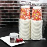 Taza de papel impresa 8oz aislada disponible del té