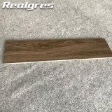 Настил твердого серого дуба законченный деревянный