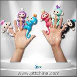 아이, 작은 물고기 원숭이, 크리스마스를 위한 선물을%s 핑거 장난감