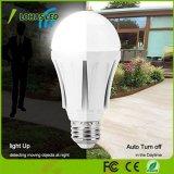 Crepuscolo del LED da albeggiare 100W lampadina equivalente del sensore di radar di luce del giorno (12W) 5000K A19 E26 per l'iarda del garage