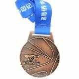 주문을 받아서 만들어진 로고를 가진 금속 메달이 우수 품질에 의하여