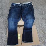Оптовый новый шток остает джинсыами и одеждой джинсыов с дефектом