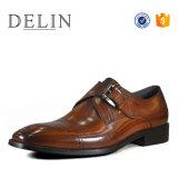 Delin OEMの工場高品質の革人の靴