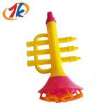 卸し売りプラスチックトランペットの形の泡水ゲームのおもちゃ