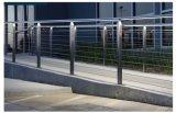 De Leuning van de Groef van de Balustrade van het Balkon van de Kabel van het LEIDENE Traliewerk van het Roestvrij staal