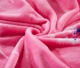 Couverture 100% d'ouatine de flanelle de Microfiber estampée par fleur molle superbe de polyester