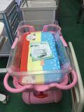 病院の新生の赤ん坊のトロリー/赤ん坊はスリープの状態であるバスケットのBassinetを運ぶ