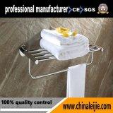 Crémaillère d'essuie-main de luxe d'accessoires de salle de bains de qualité