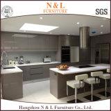 Gabinete de cozinha elevado da laca do lustro do MDF do branco moderno de N&L