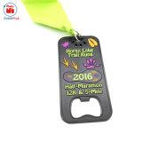 Placcaggio della medaglia mezza nera apri di bottiglia di maratona