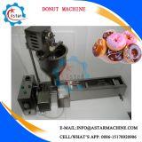 Mini máquina del buñuelo de la calefacción eléctrica o de gas