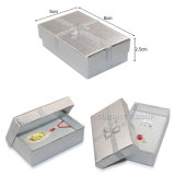 Silberner karminroter Saphir verziert Papierpappverpackengeschenk-Schmucksache-Kasten