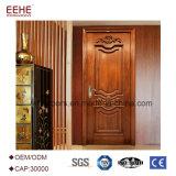 El solo panel interior de la puerta de madera sólida inserta diseños de la flor