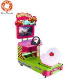 Simulatore di giro dell'automobile dei capretti superato correndo la macchina del gioco