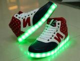 O USB que cobra o diodo emissor de luz colorido ilumina as sapatas lisas ocasionais das sapatilhas (JP-003)