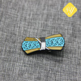 고품질 접어젖힌 옷깃 Pin 주석 단단한 연약한 사기질 주문 금속 기장