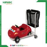 Carrello d'acquisto del carrello del passeggiatore dei bambini con la sede del bambino