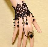 Kundenspezifisches Weinlese-Spitze-Legierungs-Blumen-Armband mit Ring, Form-Zusatzgerät