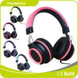 Pop de moda da juventude de fone de ouvido estéreo com fio