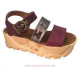 Frauen plus Größen-breit befestigtes Schuh-Keil-Sandelholz mit Brücke