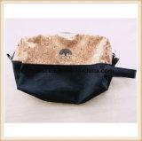リスト・ストラップが付いている環境に優しいコルクのペンの洗面用品の装飾的な袋