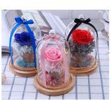 Fiori conservati naturali inscatolati della Rosa in una cupola di vetro da vendere