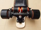 Aufgeladenes elektrisches Rochen-Vorstand-Skateboard