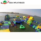 Sosta di galleggiamento commerciale gonfiabile dell'acqua, sosta dell'acqua dell'oceano, soste di galleggiamento del lago