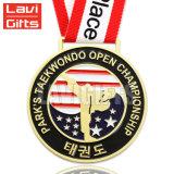 Médaille faite sur commande de récompense d'enjeu de karaté de sport de récompense de modèle libre
