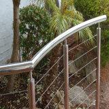 수영장 계단을%s Sea Wire 난간 케이블 방책에 의하여의 가까이에
