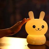 Notte chiara variopinta della lampada di vuoto di applauso del coniglio/orso del silicone per i regali di Chirstmas
