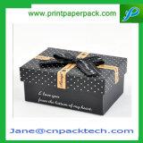 Напечатанный таможней шоколад ювелирных изделий кладет коробку в коробку бумажного подарка рождества упаковывая