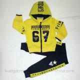 Костюм износа спортов мальчика малышей номера в одеждах малышей