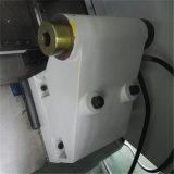 가득 차있는 기능적인 CNC 선반