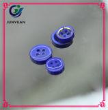 Голубая кнопка костюма рубашки смолаы 4holes цвета для людей