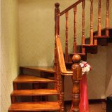 China Staircase Fabricante Solid Wooden Winder Spiral Stairs (GSP16-009)