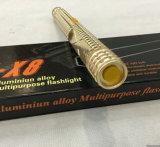 Nuevo diseño de la policía de tensión Fuerte Dorado Pistola con la linterna (SYSG-X8)