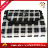 Esterno impermeabilizzare le coperte di corsa con il sacchetto di plastica della chiusura lampo