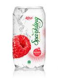 光っているラズベリージュースの飲み物の清涼飲料