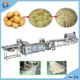 Peladura que se lava de la patata industrial que rebana el corte que aclara la desecación procesando la cadena de producción