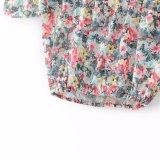 Цветок женщин способа шифоновый напечатанный с плеча одевает кофточку тенниски